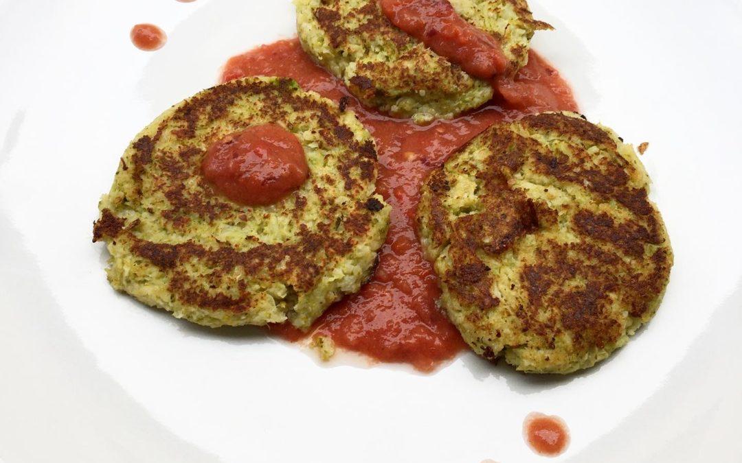 Galettes de légumes à la sauce tomate